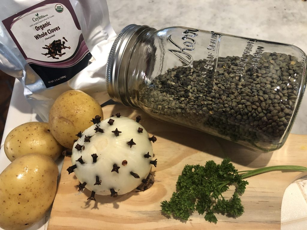 Studded onion with cloves